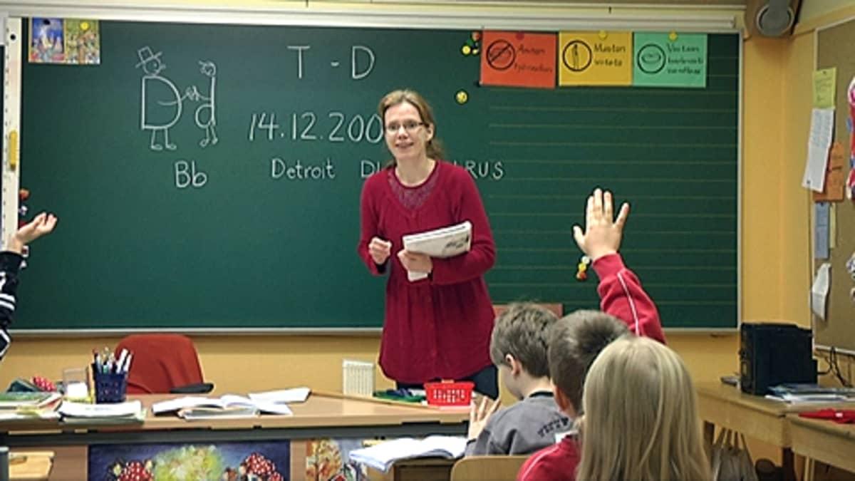 Oppitunti Jumesniemen koululla