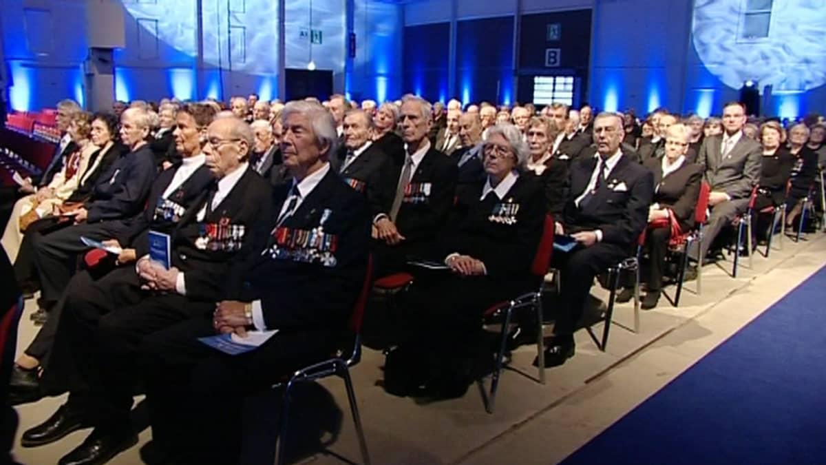 Kansallista veteraanipäivää vietetään Espoossa tänään, 27. huhtikuuta 2012.