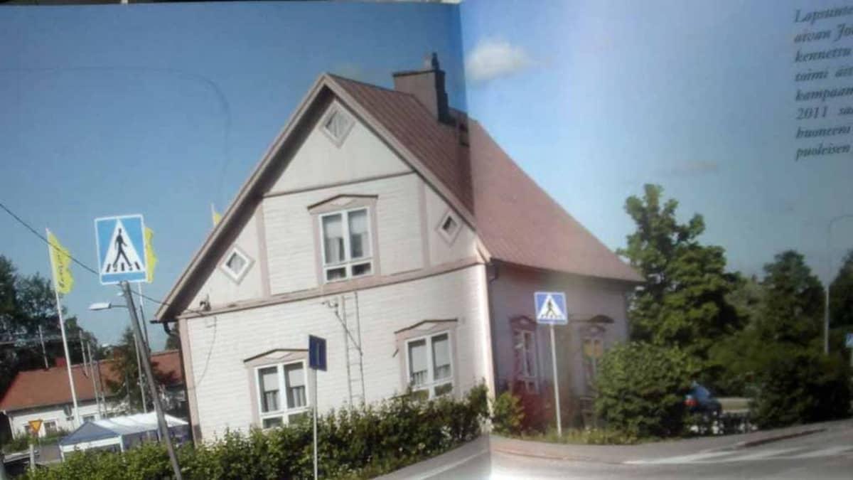 Talon kuva kirjassa