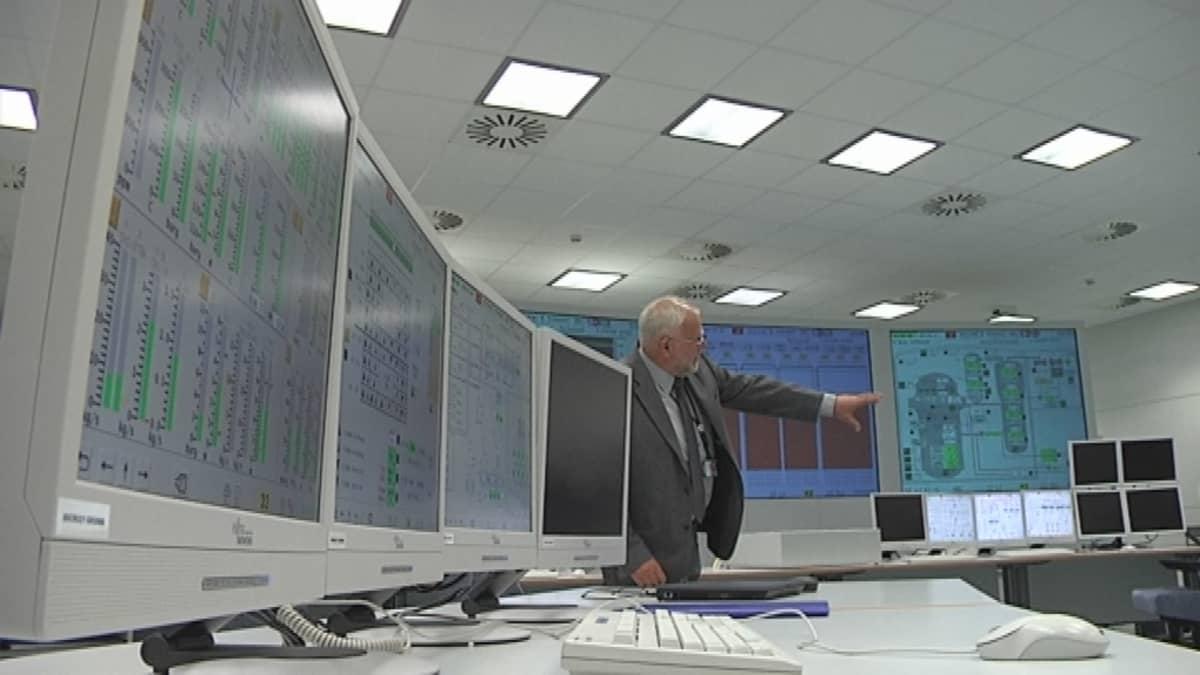 ydinvoimalan valvomon toimintaa simuloidaan välaikaisissa tiloissa