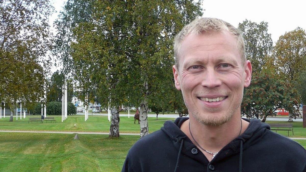 Näyttelijä Timo-Pekka Luoma