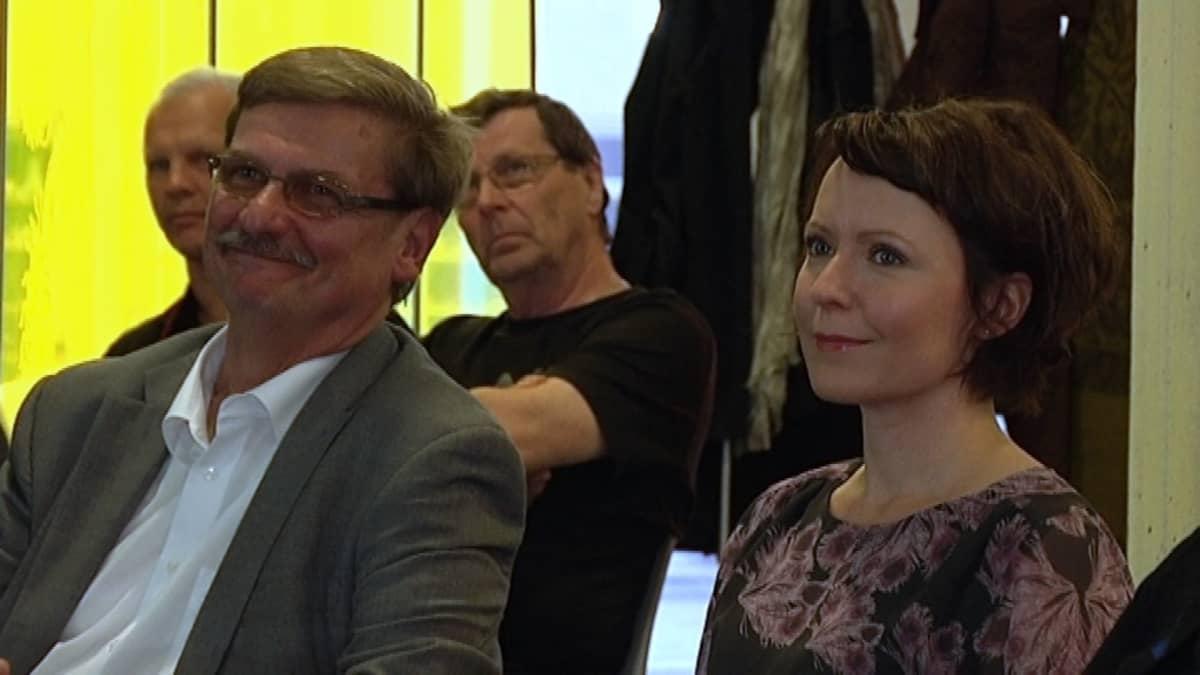 Kari J. Kettula ja Turun Kirjamessujen uusi ohjelmapäällikkö Jenni Haukio.