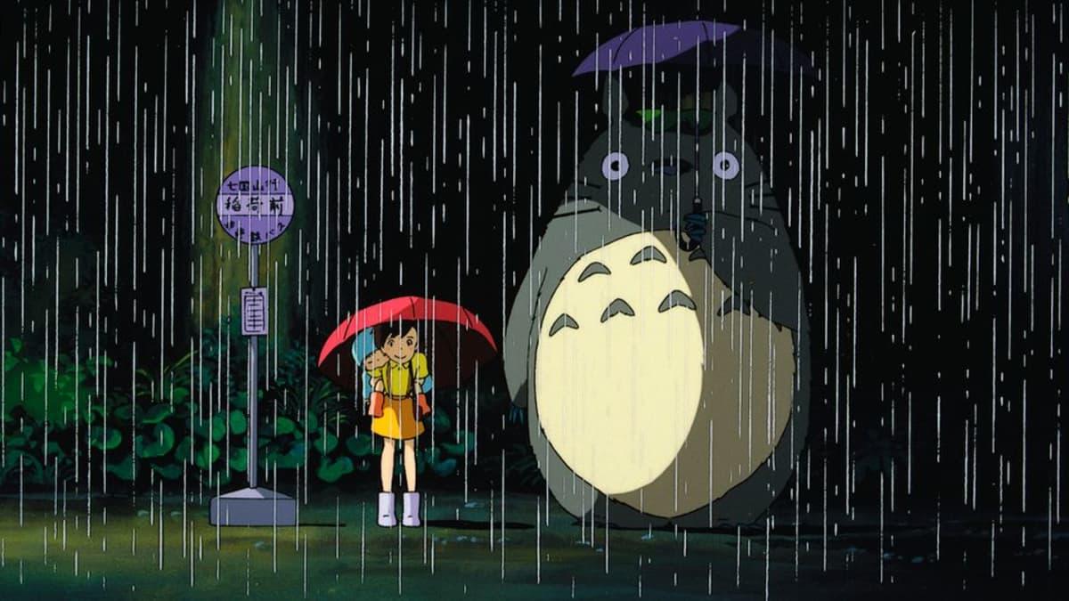 Lehdistökuvaa elokuvasta Naapurini Totoro.