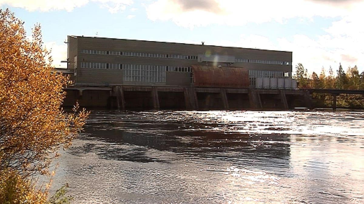 Valajaskosken voimalaitos Kemijoessa Rovaniemen lähellä.