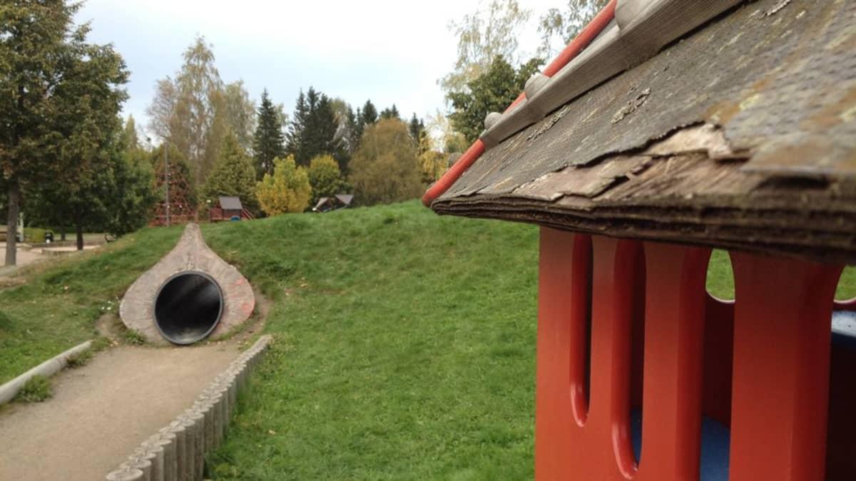 Pelle Hermannin leikkipuisto Porissa rapistuu.