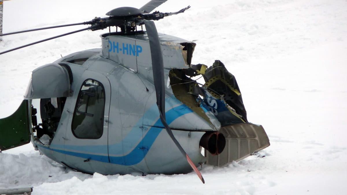 Pellolle hätälaskun tehnyt helikopteri