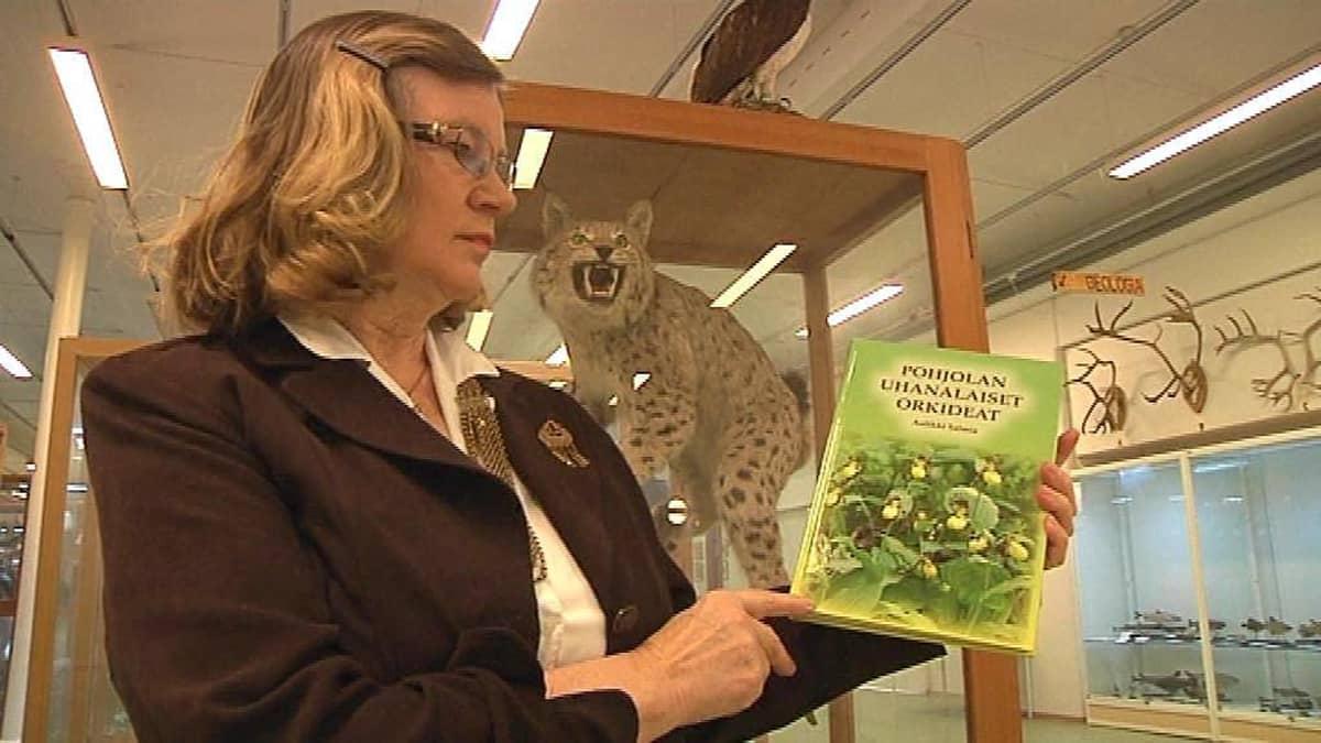 Aulikki Salmia ja kirja Pohjolan uhanalaiset orkideat