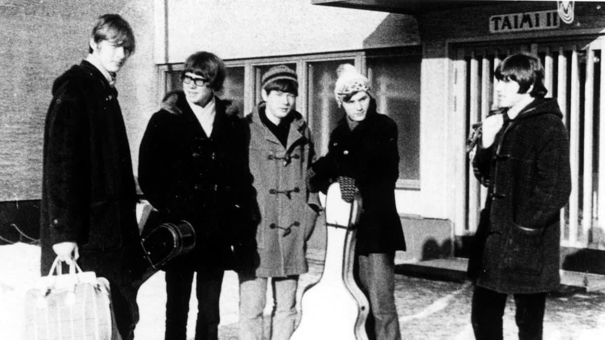 The Beathovens vuonna 1965. Vasemmalta Raimo Möysä, Matti Y. Karjala, Olli Huvila, Ismo Lindqvist ja Taisto Keinänen.