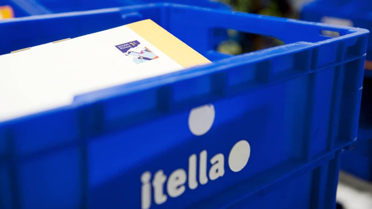 Postia Itellan laatikossa.