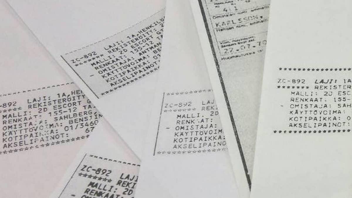 Mikrofilmijäljennöksiä auton rekisteriotteista