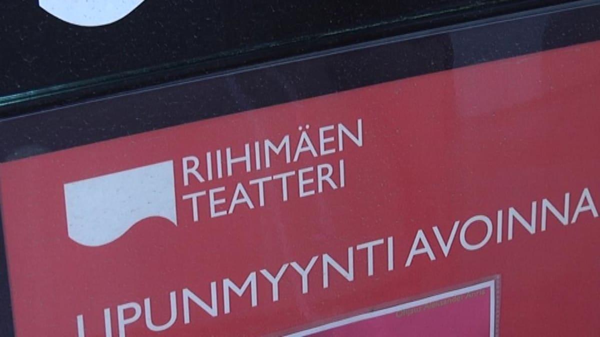 Riihimäen teatterin kyltti lipunmyynti