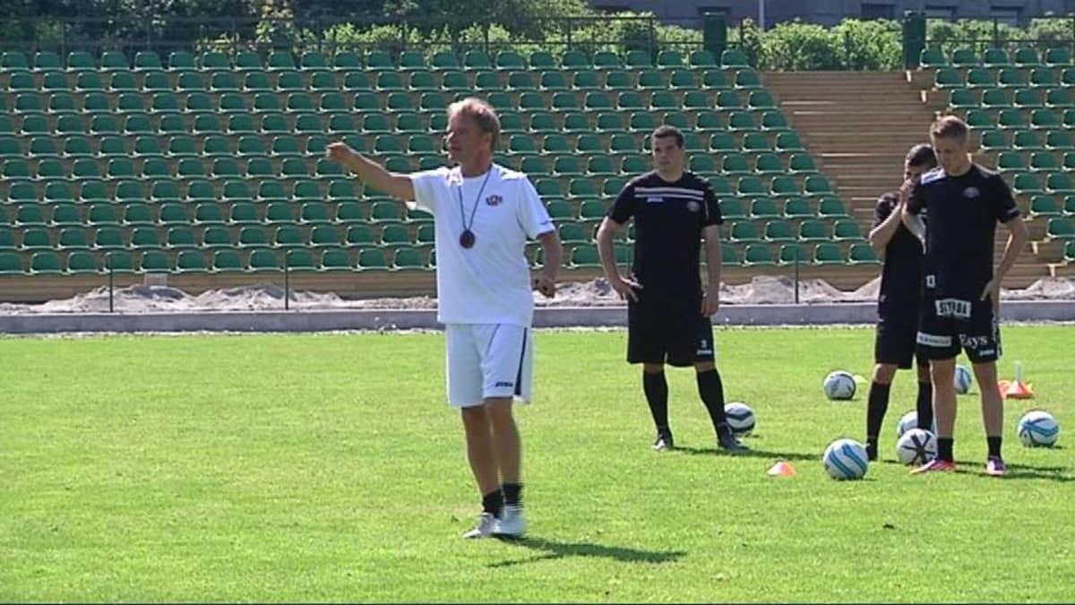 FC Lahden valmentaja Juha Malinen