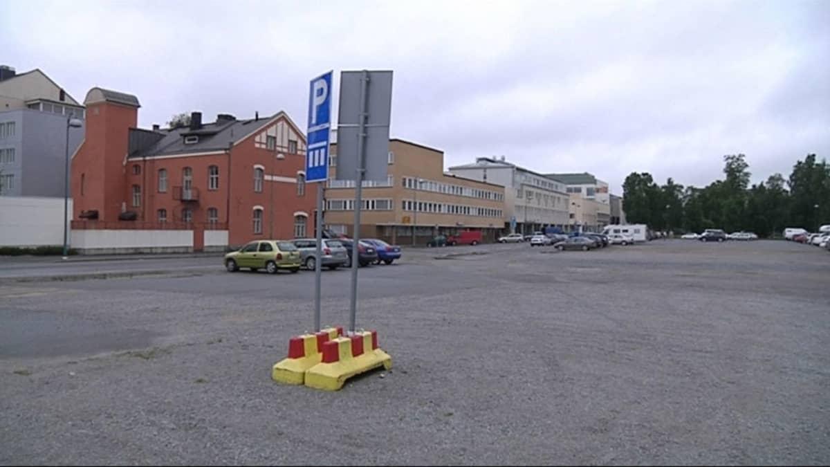 Maria Malmin liikekeskuksen piti nousta tälle tontille Pietarsaaressa.