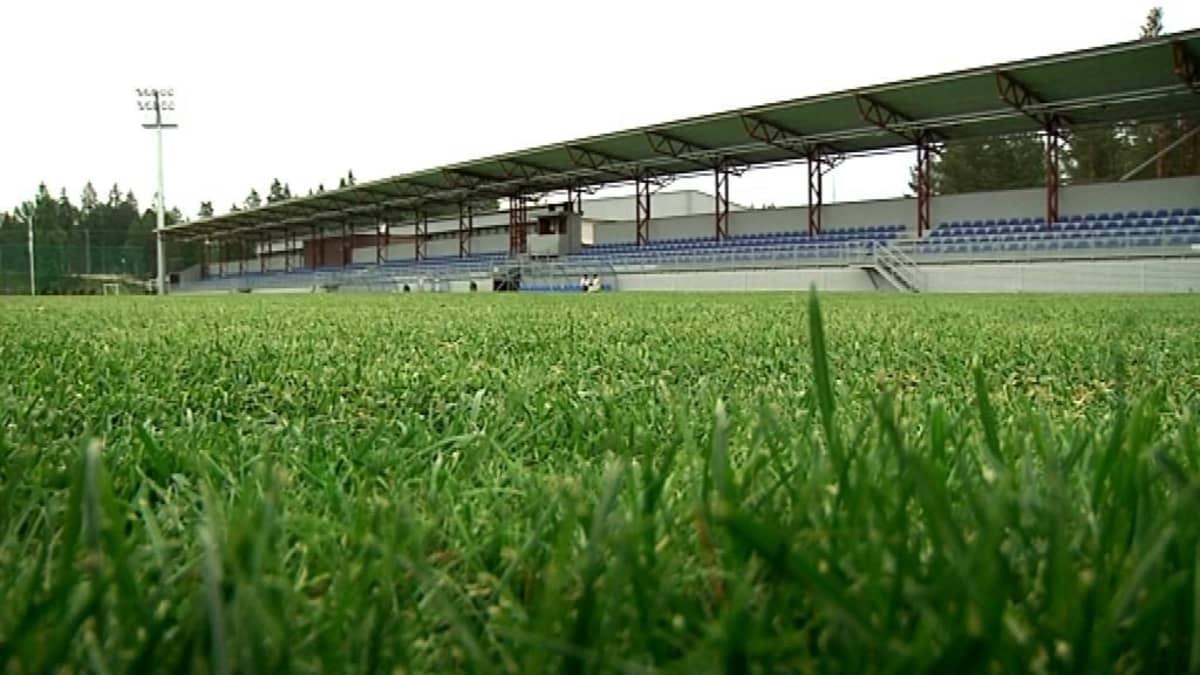 Eerikkilän urheiluopiston uusi jalkapallostadion