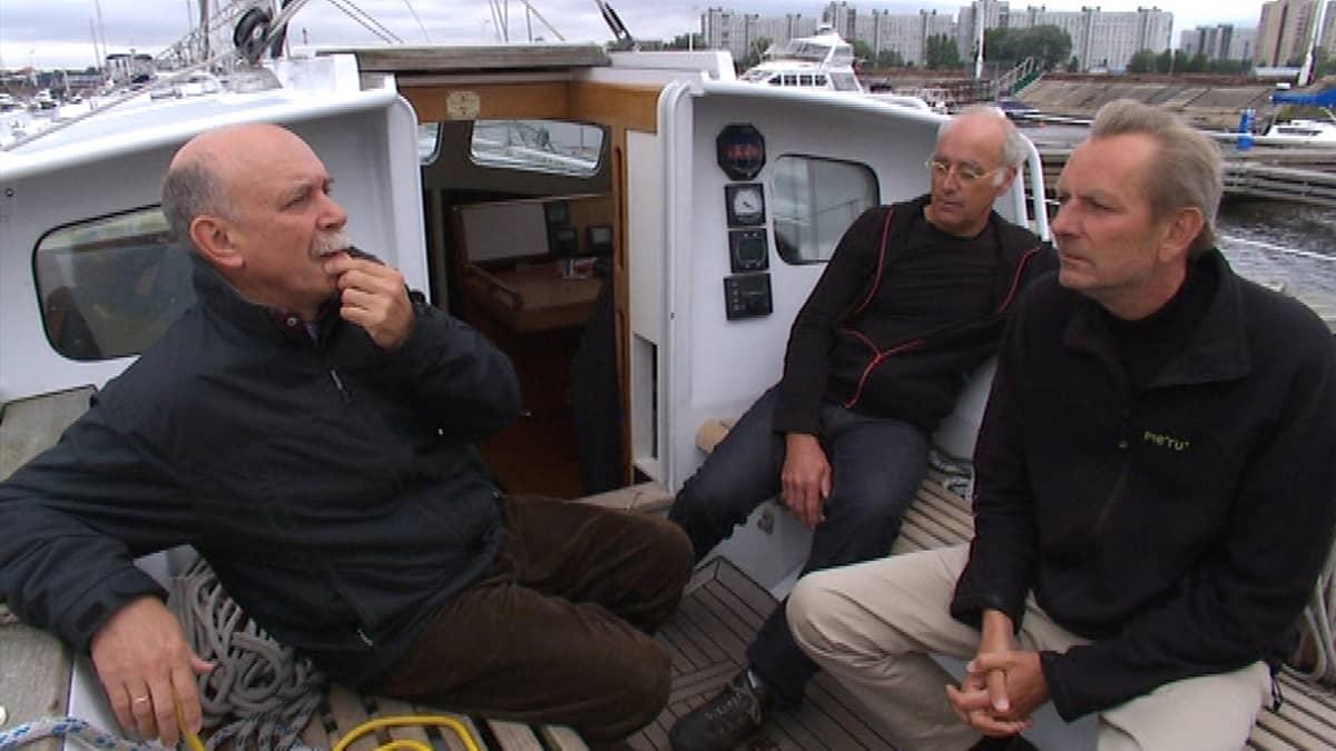 Pietari Fort Konstantin passintarkistus huvivene custom control veneily Venäjä purjehdusklubi Hollantilaiset purjehtijat satama