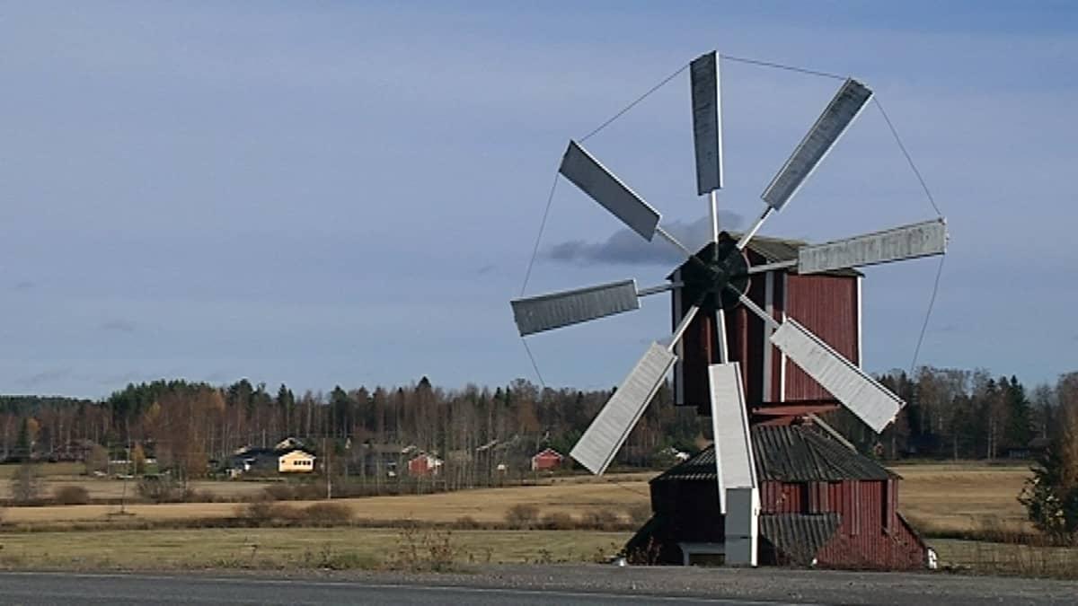 Jalasjärven maisemaa.