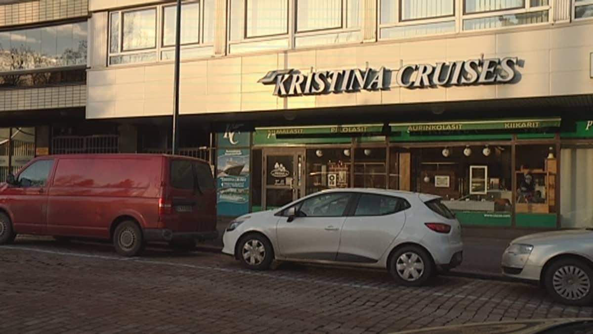 Kristina Cruisesin toimisto Kotkassa