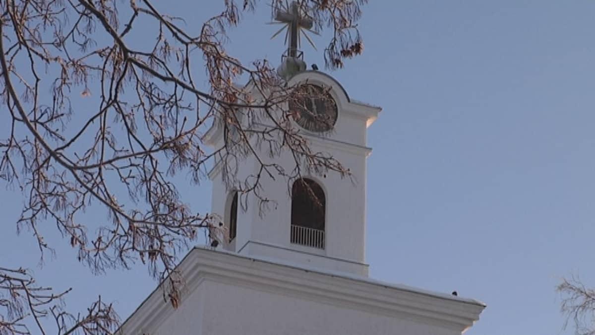 Rauman pyhän ristin kirkon torni