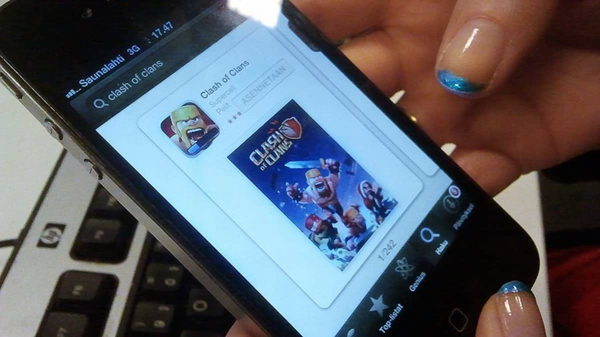 Clash of Clans gmae on a mobile phone.
