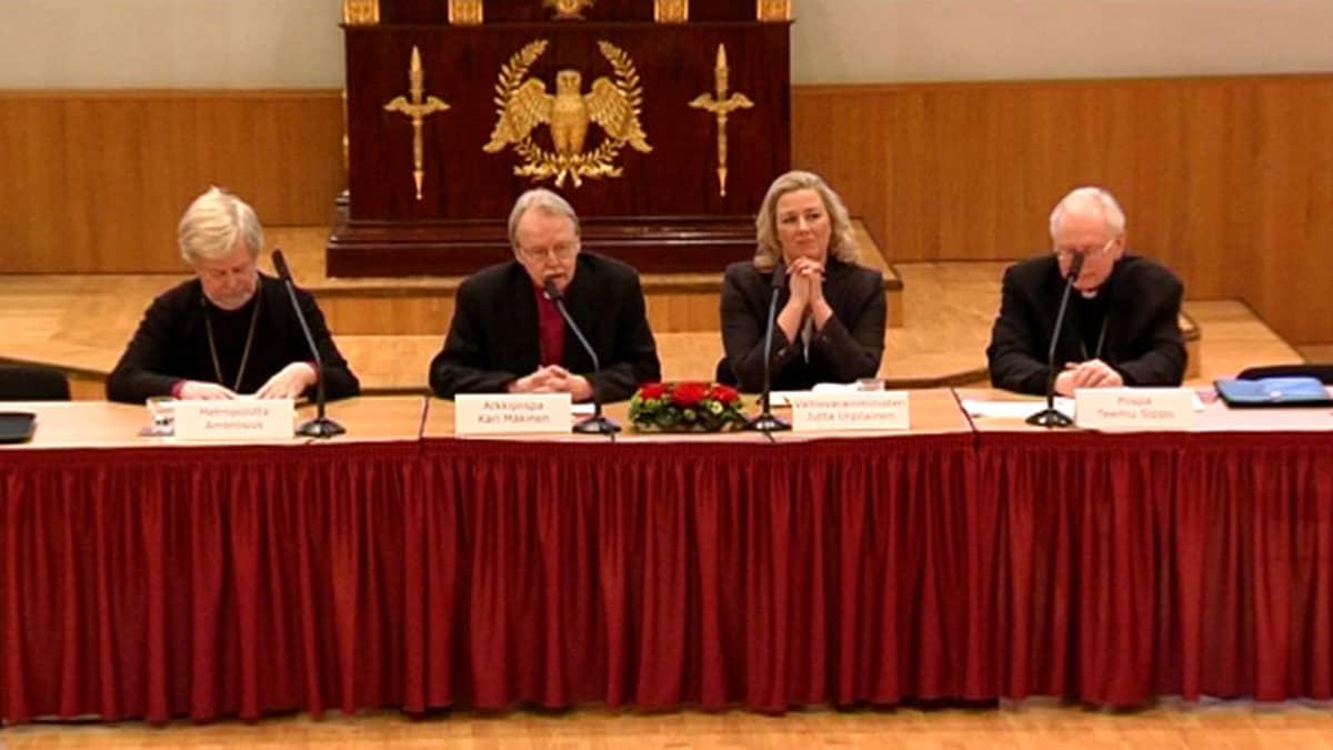 Paneelikeskustelu 21.01.2014