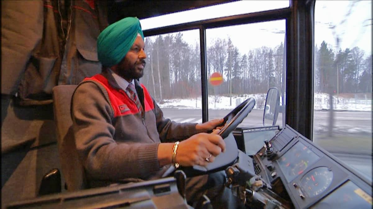 Linja-autonkuljettaja Sukhdarshan Singh Gill