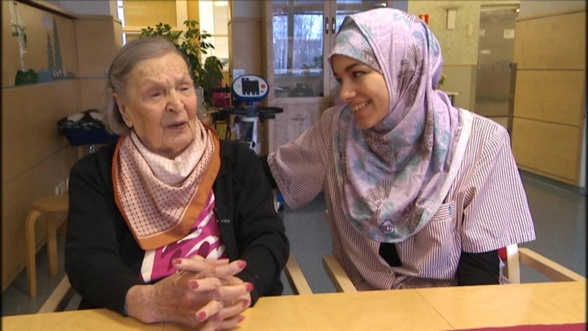 Raija Eskola ja Nora Essalim