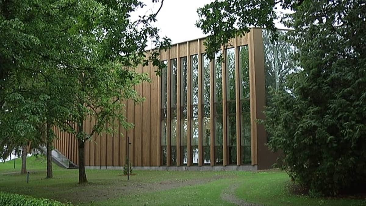 Taidemuseo Göstan paviljonki ulkoa.