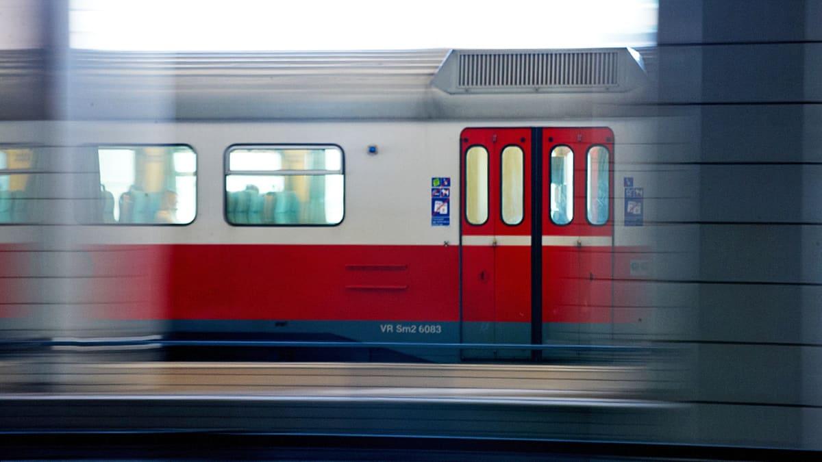 Junan vauhdissa.