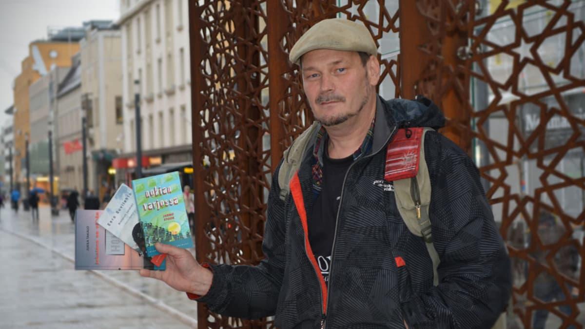 Kirjailija ja kustantaja Jarmo Stoor