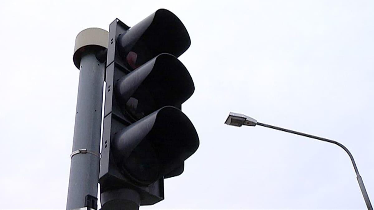 Liikennevalot pimeinä