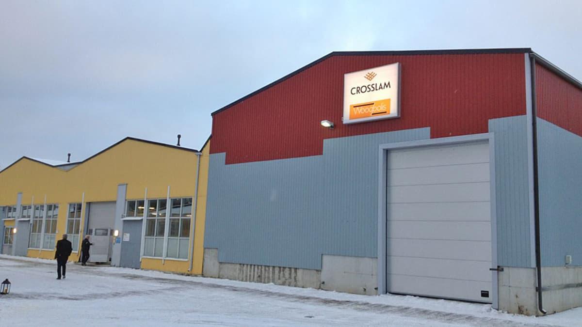 CrossLamin tehdas Kuhmossa.