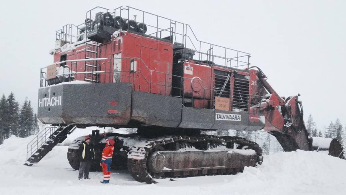 Talvivaaran kaivinkoneen alle sopii seisomaan.