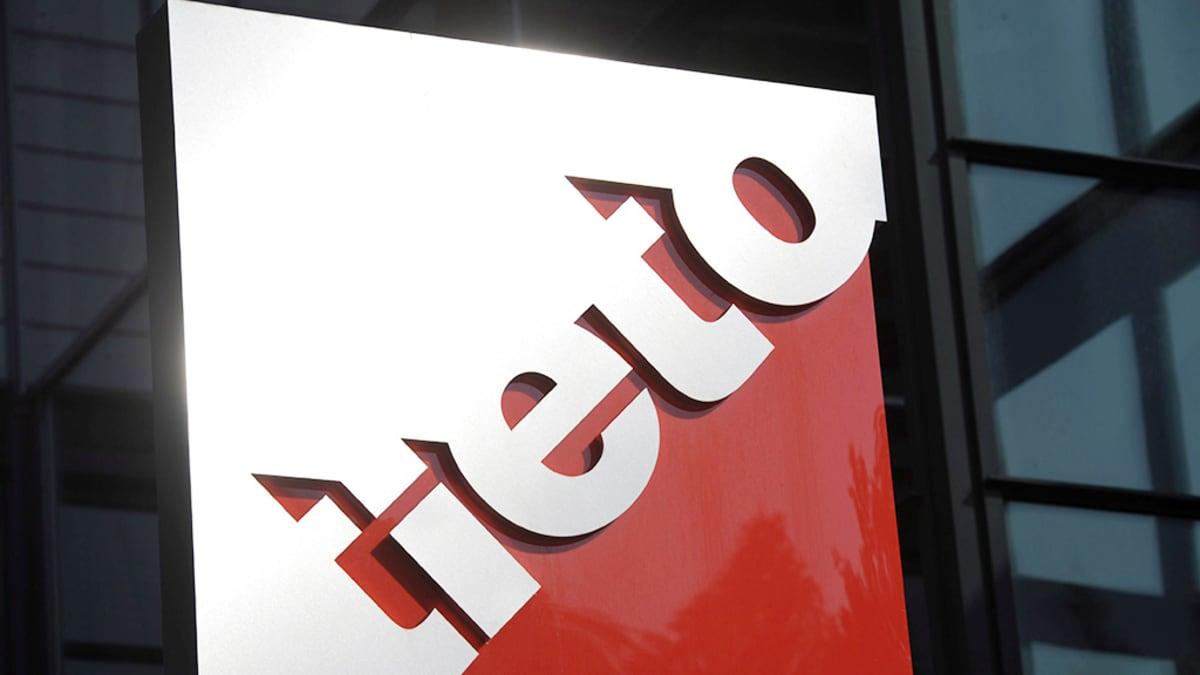 Tieto Oyj:n logo kuvattuna yhtiön pääkonttorin edustalla Helsingissä.