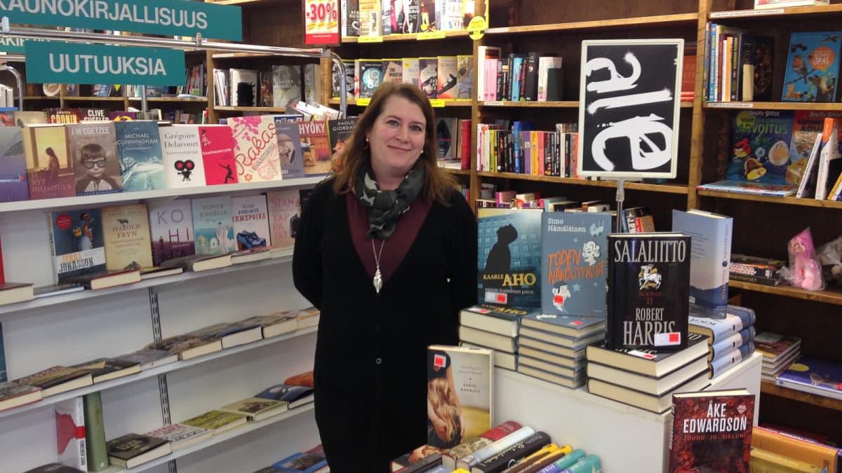 Kirsi Räihä sulkee kauppansa ovet helmi-maaliskuussa, jahka kirjat on saatu myytyä.