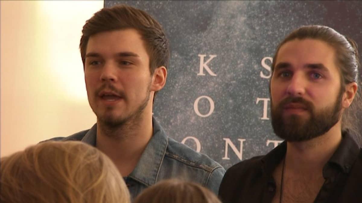 Houm Churchin perustajat Niklas Niemelä (vas.) ja Johannes Saranpää toimivat viime syksyyn asti helluntaiseurakunnan nuorisopastoreina.
