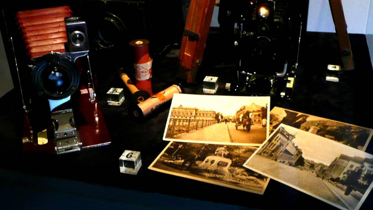 Turun museokeskus sai lahjoituksena Gustav Arvidssonin Turku-aiheisia kuvia.