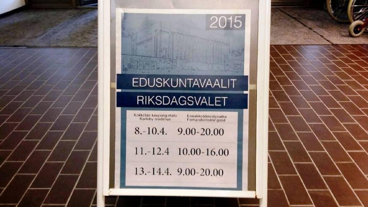 Ennakkoäänestyspaikkana toimii muun muassa Kokkolan kaupungintalo.