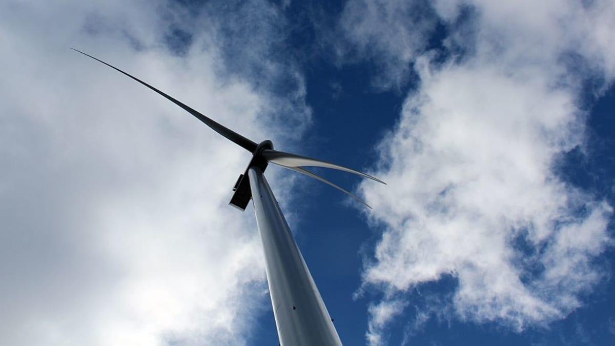 Ilmattaren tuulivoimala Luhangan Latamäessä.