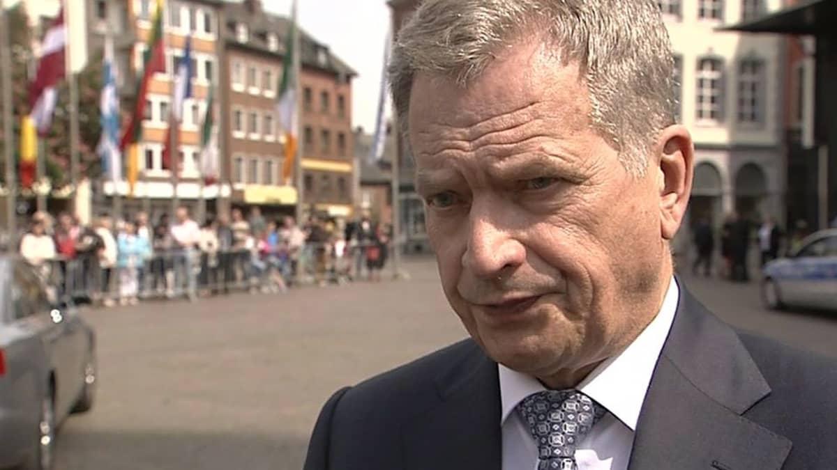 Presidentti Niinistö kommentoi Juha Sipilän (kesk.) vetämiä hallitusneuvotteluja Saksan Aachenissa.