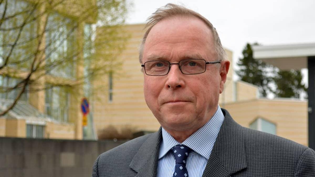 Valtiotieteiden tohtori Pekka Visuri.