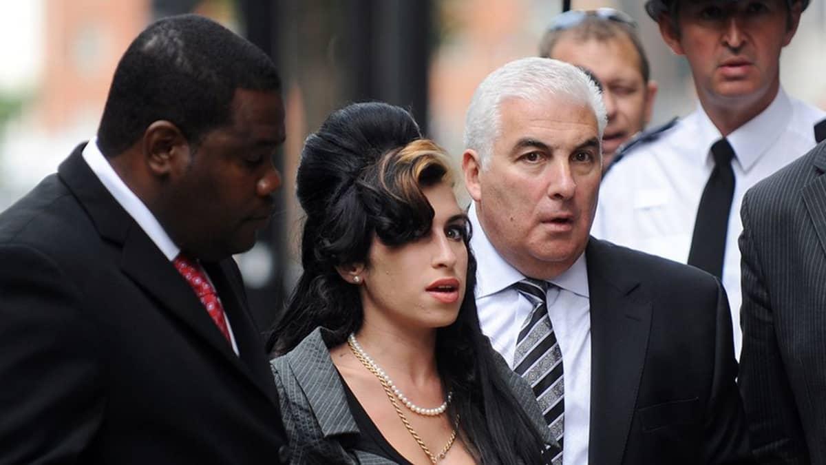 Amy Winehouse ja isänsä Mitch Winehouse.