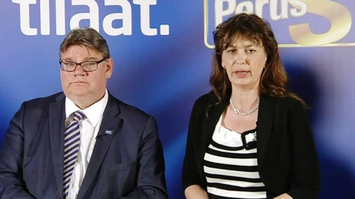 Timo Soini ja Riikka Slunga-Poutsalo.