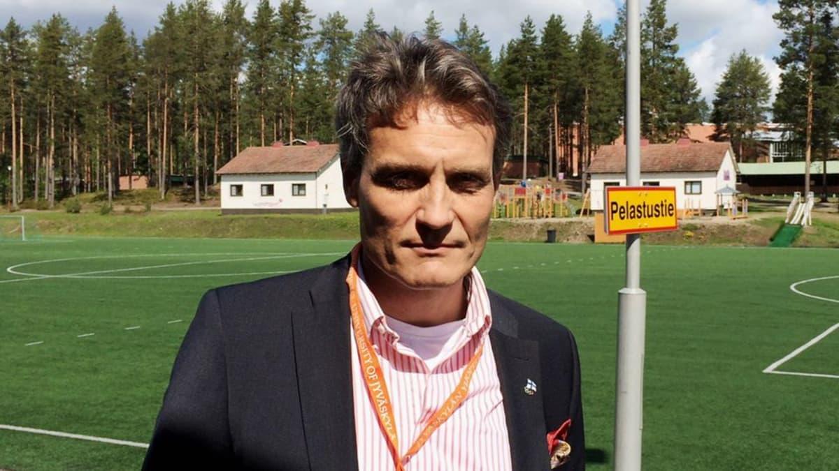 Suomen Olympiakomitean huippu-urheiluyksikön johtaja Mika Kojonkoski.