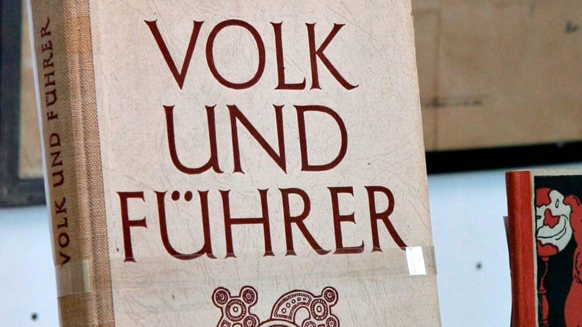 Saksalainen vanha kirja.