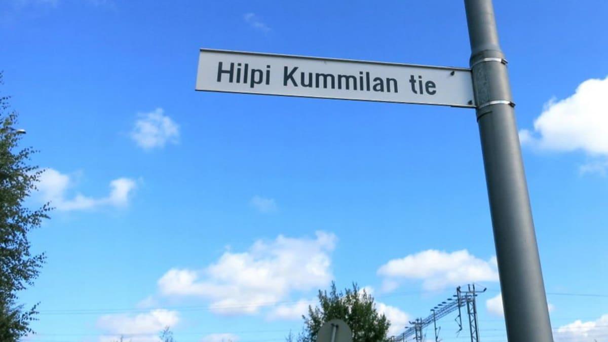 Tienviitta Hilpi Kummilan tie Hämeenlinnassa
