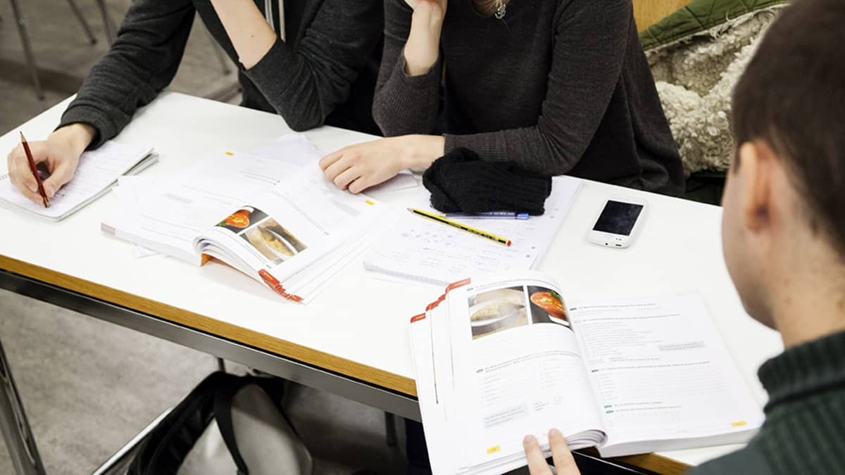 Espanjan kielen opiskelua Helsingin yliopiston kielikeskuksen tunnilla Helsingissä.