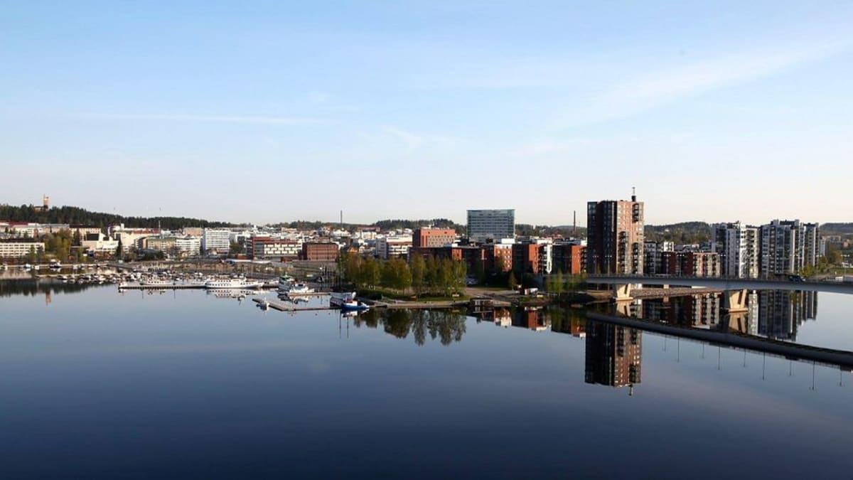 Satamankärki rakennetaan rantaan Jyväsjärven sillan kupeeseen lähelle tornitalo Horisonttia.