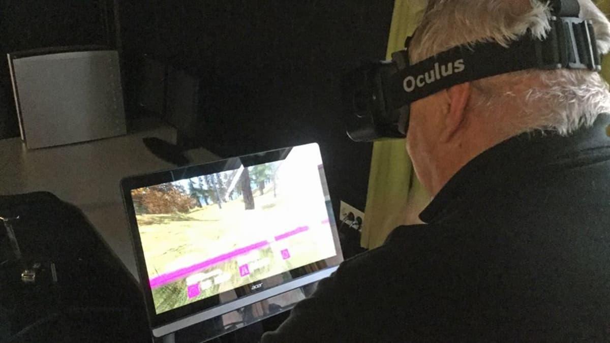 Kuntosalilaite, jolla voi pyöräillä virtuaalimaailmassa.