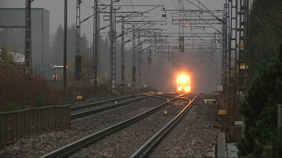 Juna saapuu Oittiin
