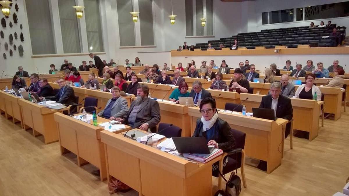 Rovaniemen kaupunginvaltuuston budjettikokous 9. marraskuuta 2015